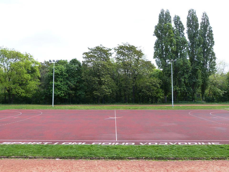 Dvorska bašta atletika